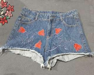 Denim shorts 28