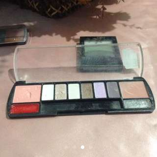 Eyeshadow and liptint palette