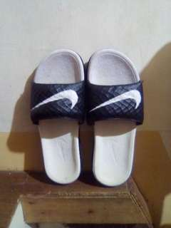 Nike Benassi Solarsoft (size 8) actual pic posted