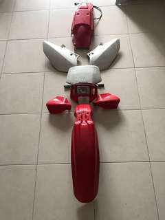 XR400 Original Red/White Plastics