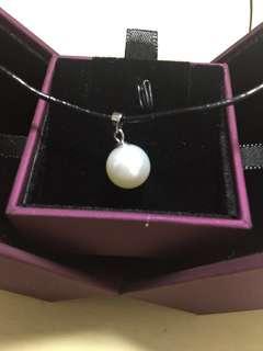 割價全新MaBelle淡水珍珠吊咀連皮繩、首飾盒