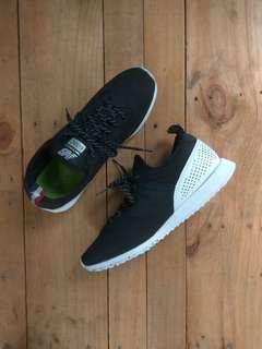 Shoes NB . 600C