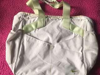 nike bag (white)