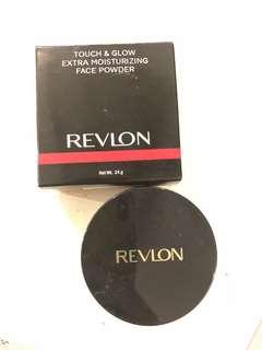 <SOLD> Revlon Extra Moisturizing Face Powder (Touch & Glow)