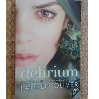 Jual buku impor/bahasa inggris/english book Delirium by Lauren Oliver