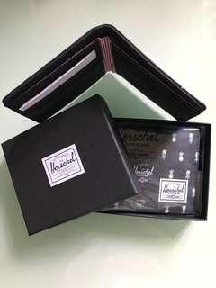 Herschel銀包黑色刺繡菠蘿全卡位$200個全新