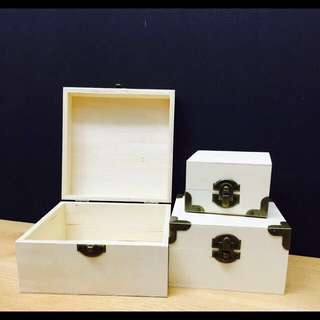 Wooden boxes in stock Birthday wedding gifts design on box