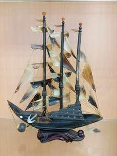 八十年代牛角帆船
