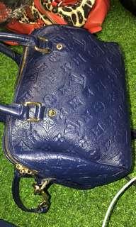 Louis Vuitton sling in Blue