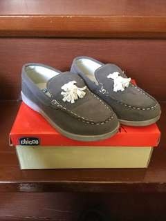 Preloved shoes for 4-6 yo used only once condition 9/10