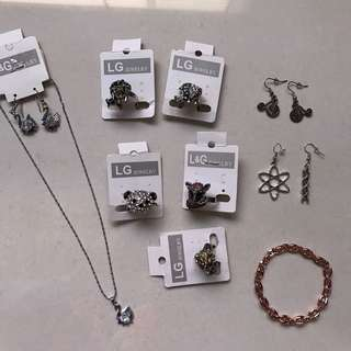 Rings/ necklaces/ bracelet/ earrings jewellery