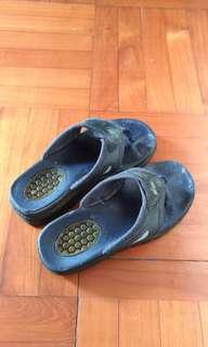 Skechers拖鞋