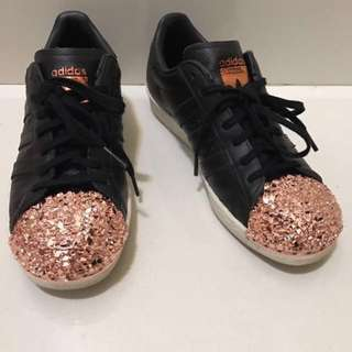 LIMITED TIME 5 DAY SALE! RTP:$220😱 Adidas Originals Black Leather Superstar 80s With Rose Gold 3D Metal Toe Cap