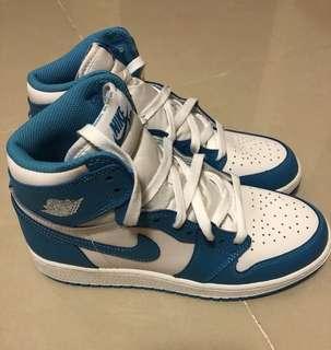 友人寄賣AIR JORDAN 1 RETRO HIGH OG  女鞋 九孔 北卡藍  6Y
