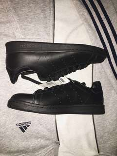 AUTHENTIC ADIDAS STAN SMITH (black)