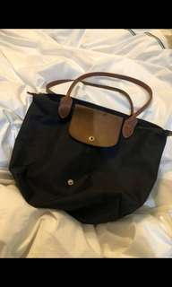 Authentic Longchamp Le Pilage (short handle- medium)