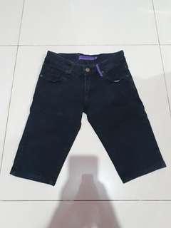 Celana pendek hitam M