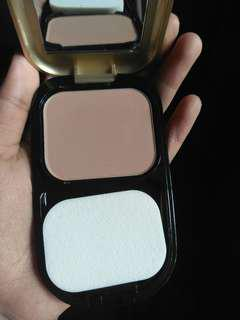 Max Factor 002 Ivory Facefinity+Permawear