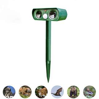 1383. Solar Powered Ultrasonic Animal Repeller Outdoor Pest Control