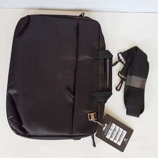 🚚 Rare ASUS Computer Bag, Slim laptop bag, stylishly elegant, undeniably versatile, Authentic, For Daily Use, For Travel, For Documents, Brand New with Tag and Original Packing