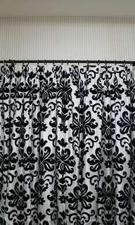 Gorden motif abstrak hitam putih