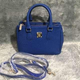 Les Catino Navy Sling Bag