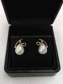 14K Yellow Gold Fresh Water Pearl Earrings