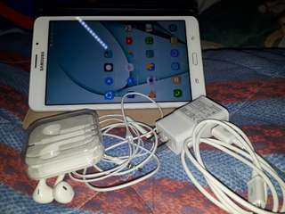 🚚 samsung tab j ,free headset, memory card with movie,with charger, dual zim 4g connection 8mp cam with flash