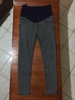 Maternity skinny jeans grey 32 inches hipline