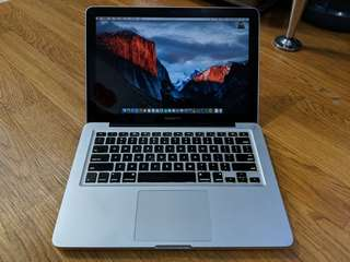 MacBook Pro 13 Early 2011 MC700 Core i5 2.3Ghz Mulus Likenew