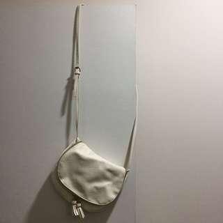 Stradivarius White sling bag
