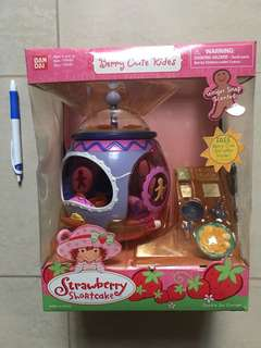 Strawberry Shortcake Berry Cute Rides Cookie Jar Cruiser