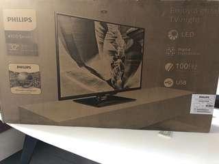 """Brand New ~ 32"""" TV"""