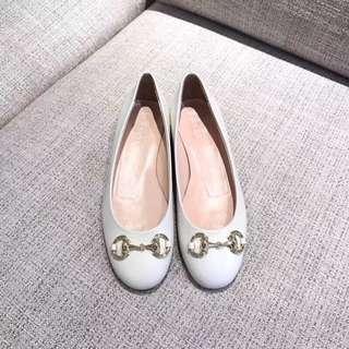 Gucci 2018ss 單鞋,新品 圓頭設計,進口小牛皮材料,定制內里。純銅電鍍,真金 意大利真皮大底。34 - 40 HH43788