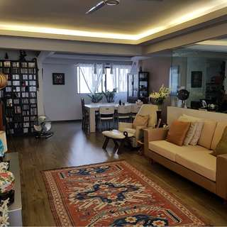 Well-Maintained 5-RM Flat in Shunfu