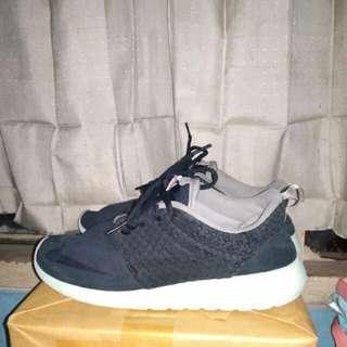 "Sepatu nike roshe run fb ""yezzy"" Original size 41"
