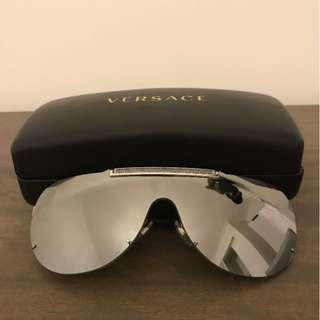 Men's Versace sunglasses RRP $500