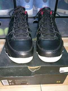 Air Jordan 9 Retro Low Bred Size 9.5 US