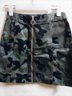 H&M Camo Zip Front A-line Skirt