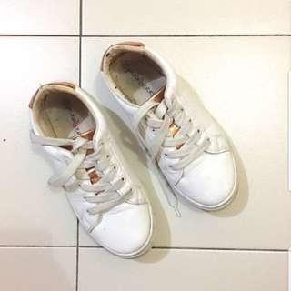 Punkberry Sneakers