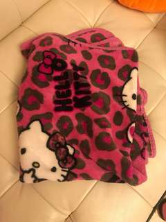 Hello kitty 兩用短毯cushion Blanket for baby