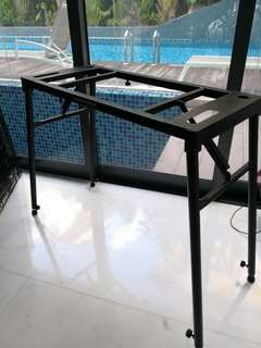 Table style keyboard stand