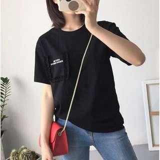 正韓 全新 花邊設計 T雪 黑色 短袖 上衣 英文字 T恤