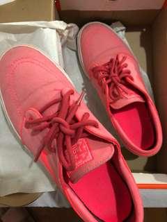 Nike Janoski Atomic Red