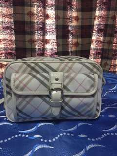 Authentic burberry sling❤️