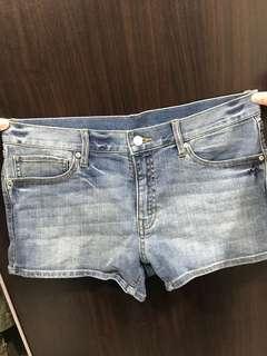 🚚 Lative 牛仔短褲