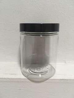 8 oz screw cap container