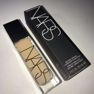 natural radiant longwear foundation | nars