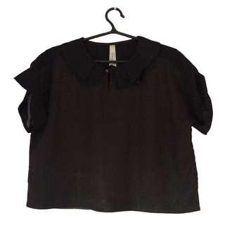Kashieca | Black slightly crop blouse