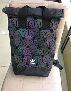 Adidas 3D 背囊 黑/白/幻彩色/紅色(全新)男女適合用